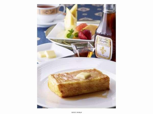 朝食にオークラ伝統のフレンチトーストを♪