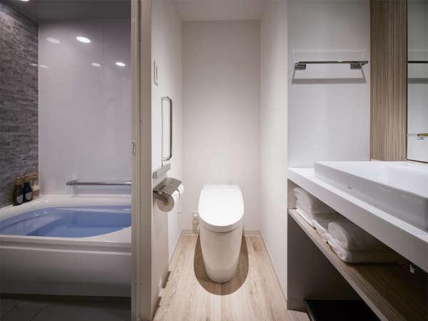 【スーペリア浴室】(洗い場付き)全室バスルーム・トイレがセパレートとなっております。