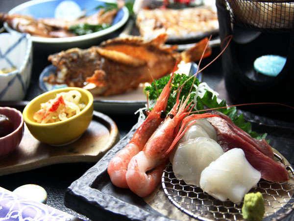 鮮度抜群のぷりっぷりのお造りから、焼き魚まで、食材宝庫の若狭を存分にお楽しみください♪