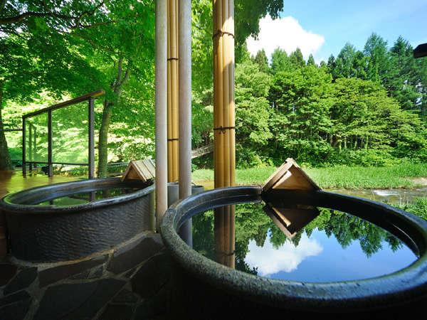 川の湯・「信楽焼陶器風呂」(昼) ※源泉100%掛け流しです。温泉本来の泉質を存分にご満喫ください。