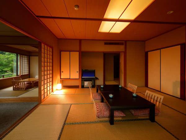 客室「花かんむり二間」※お部屋が2つあり、窓からの景色もよく、お寛ぎいただけます。