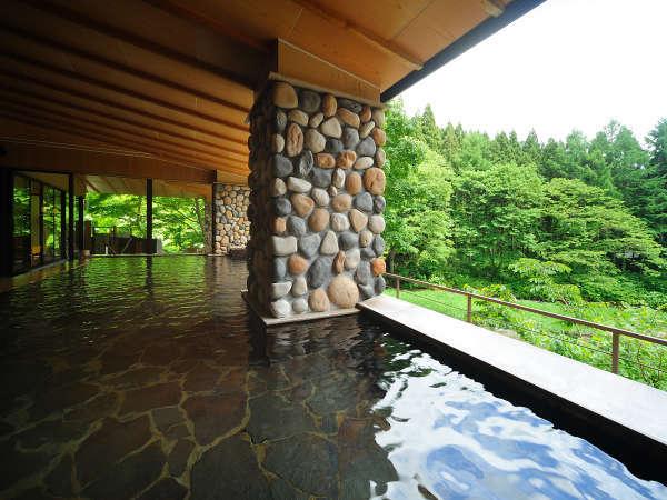 【川の湯「内湯」】※天気により全ての窓がオープンとなり半露天として自然をご満喫いただけます,