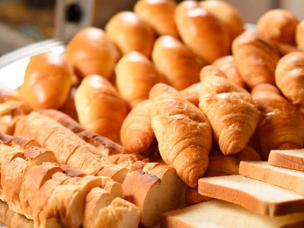 食パンやバターロールなど、花巻のオリオンベーカリーのパンを提供しています