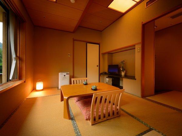 客室「花かんむり6帖」 ※景色は楽しめませんが、リーズナブルにご利用いただけるお部屋です.