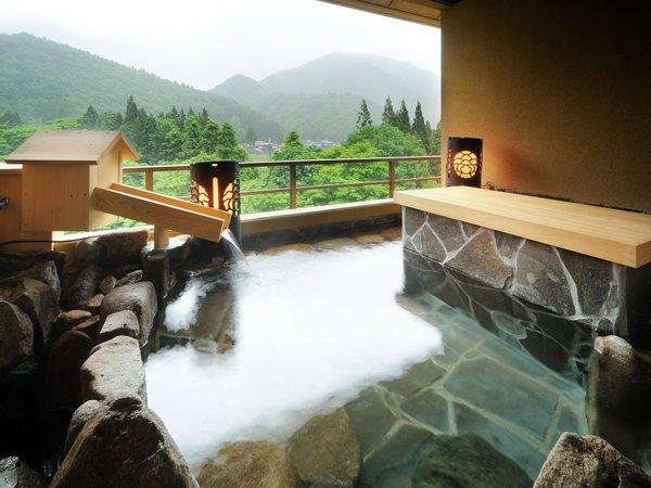 露天風呂付き特別室 ※温泉ではございませんが、景色抜群!!水入らずで過ごせる客室露天風呂.