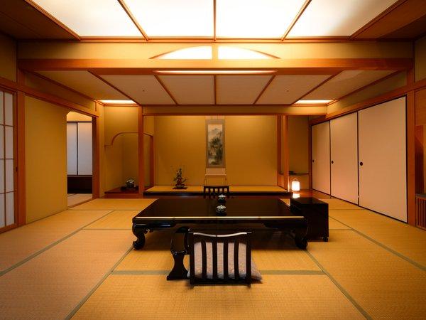 露天風呂付き特別室 ※離れのような佇まいの特別室。特別な一日を大切な方とお過ごしください.