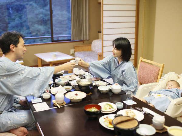 お部屋食一例 ※周囲を気にせず、赤ちゃんと一緒のご夕食をお楽しみください,