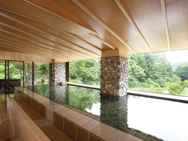川の湯「内湯」 ※天気により全ての窓がオープンとなり半露天として自然をご満喫いただけます,