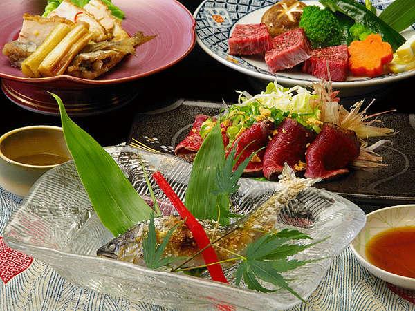 *夕食(一例) 但馬の野菜やお肉、清流の鮎など新鮮な山海の幸を集めました。ご賞味ください。
