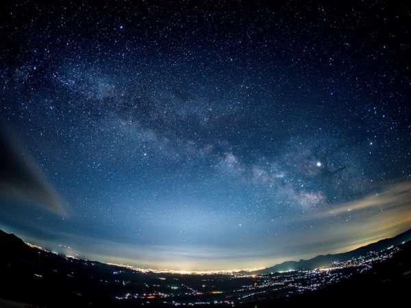 雫石銀河ロープウェーから眺める星空と盛岡の夜景