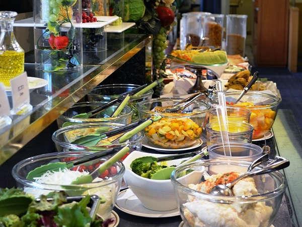 ★ベルファサードの朝食バイキング♪豊富なサラダバー