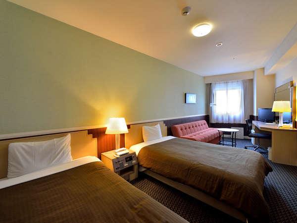トリプルルーム/26平米  ベッド幅120cm×2 ソファーベッド1