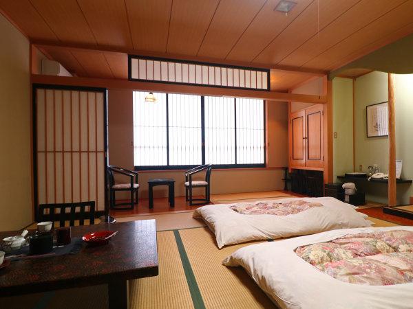 ■客室一例/12,5畳+板の間(B・T付) 2~3名様推奨。広々とした純和風のお部屋です。