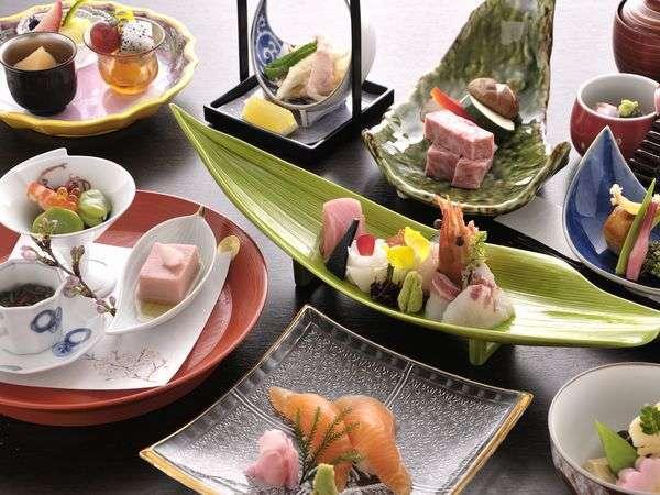 【優雅な箱根旅】 京懐石と飛騨料理が融合した 『 花扇スタイル 』 — 花扇が贈る最高峰プラン