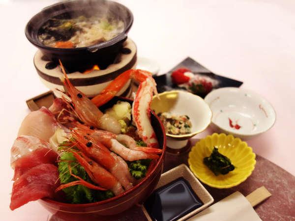 【特典付】季節のお刺身を敷き詰めた「でかいこと海鮮丼」!「ころ柿・他」選べる特典つき夕朝食プラン