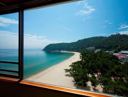 大浜海水浴場は、ほとんどのお部屋からご覧いただけます!波の音で心が和みますよ~♪