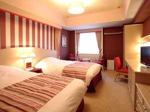 【部屋】寝心地◎のシモンズベッドが快適♪スーペリアツインルーム(26㎡)