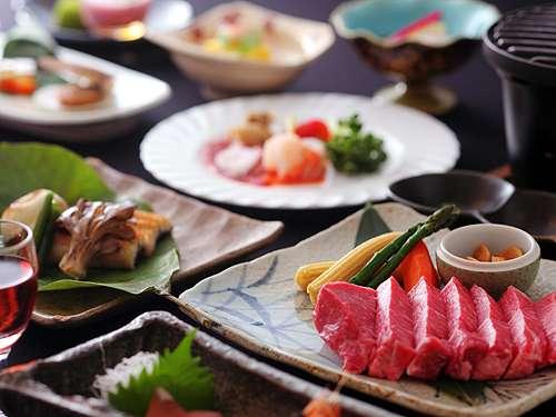【ステーキ150gコース】ボリュームたっぷりのステーキを、塩・ゆず胡椒・おろしだれの3つの味で食べ比べ!