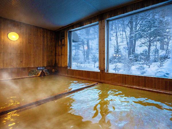 【大浴場】大浴場は一晩中入浴可能☆疲れた身体に源泉温泉がじんわり包み込みます。