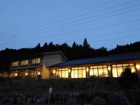 懐石料理旅館・トロン温泉 神明山荘