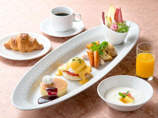 【レディースプラン】feel easy〜エッグベネディクト&パンケーキプレートの朝食付〜