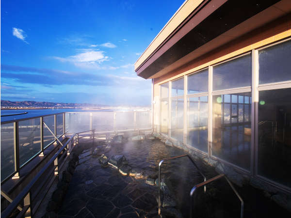 【わたり温泉 鳥の海】 青の絶景と金色にかがやく天然温泉の宿の写真その2