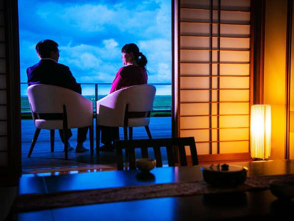 【わたり温泉 鳥の海】 青の絶景と金色にかがやく天然温泉の宿の写真その4