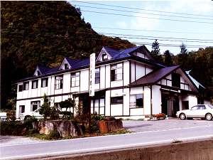 【民宿 関ヶ原】宝台樹スキー場へ向かう途中にあります。