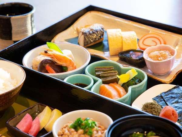 富山の幸をふんだんに使用した和朝食