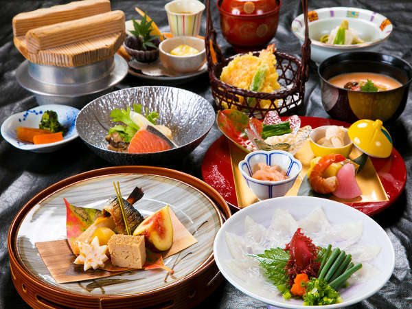 【スタッフおすすめ】≪料理グレードUP会席≫〜あなたはどっち?〜お肉or海の幸のメイン選択でプチ贅沢に
