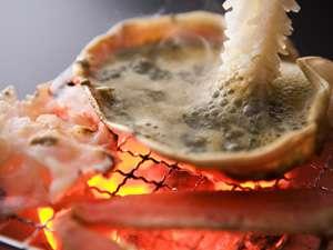 ズワイ蟹の甲羅焼…山中の地酒「獅子の里・本醸造」で愉しむ甲羅酒もおすすめです