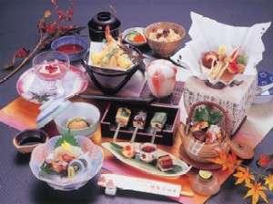旬の味覚が味わえる会席料理(一例)