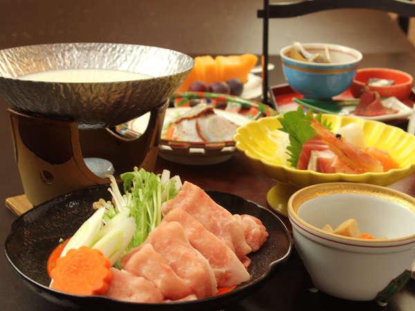 【スタンダード】越後もち豚豆乳鍋と季節の変わりご飯。