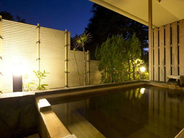 源泉を楽しめる客室露天風呂