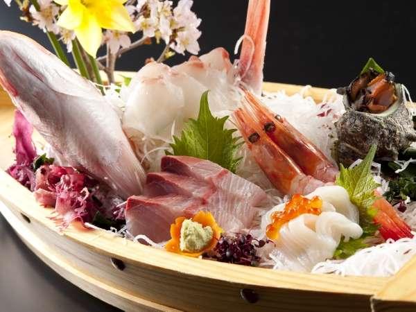 豪華舟盛で日本海を堪能