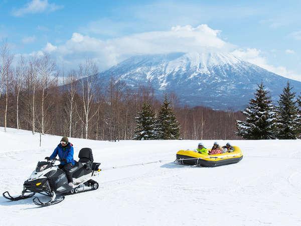 *[ニセコビレッジスキー場/スノーラフティング]川下り用ボートで雪の大地を疾走するスリリングな体験!