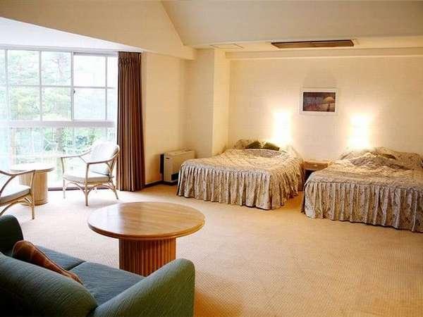 【スポルシオン】 ツインルーム例。約55平米の広々とした間取りが人気の客室〈ペット不可〉