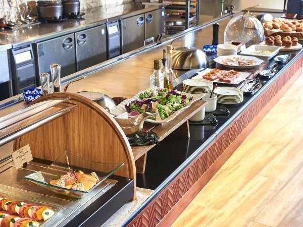 【朝食】オーダーブッフェ/新鮮野菜や天然酵母パンなどこだわりのお料理をご用意※イメージ