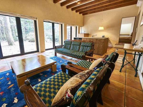 【ヴィレッジ・フォースルーム】ツインベッド&ダブルベッドの3ベッドルームは使い方いろいろ(客室一例)