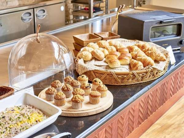 【朝食】オーダーブッフェ/天然酵母パンは話題のトースターで美味しくお召し上がりください※イメージ