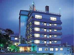 旅館ホテル東横の外観