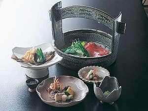 伊万里牛を豆乳鍋にくぐらせて食べるしゃぶしゃぶ(しゃぶしゃぶは2人前)