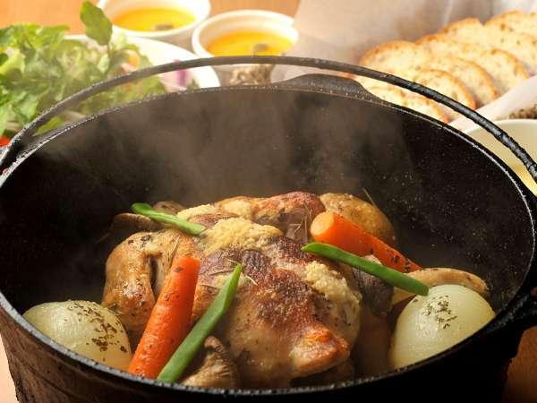 *夕食一例/大好評のダッチオーブン料理!お肉も野菜も、素材をまるごといただきます。