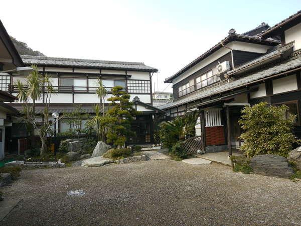 民宿 梅田荘の外観