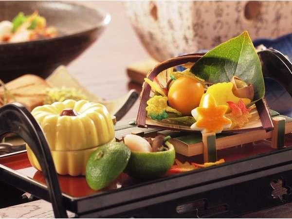 松阪牛 松茸 伊勢海老など秋の味覚を堪能♪グレードアップされた夕食と霧生温泉でのんびり秋旅 禁煙洋室