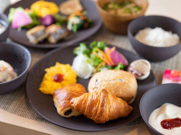 【Organic】日替わりでご提供する焼きたてパン健康朝食ビュッフェが無料♪