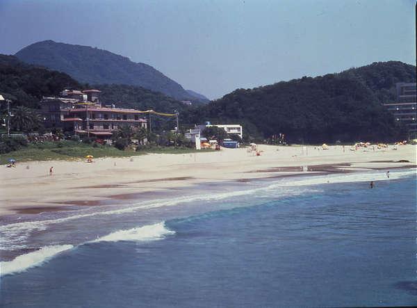 ・白砂の浜辺は目の前です