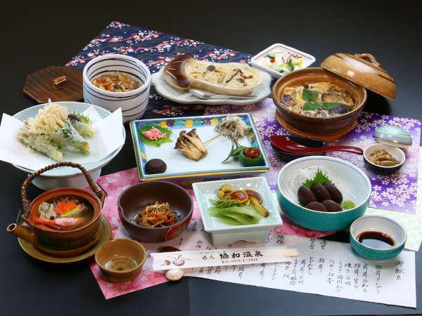 夕食全体_きのこフルコース。愛別ならではのお料理にご賞味ください。