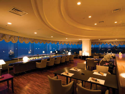 非日常を演出する、展望レストラン・シーガルで寛ぎのひと時を・・
