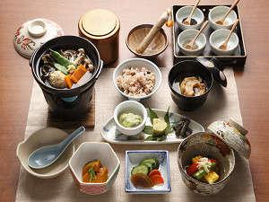 【新春j☆大沼祭】女性に人気!「一汁三菜膳」浄化の湯でピッカピカ(離れの「母里の湯」入浴なし)